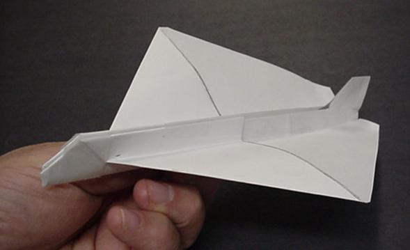 http://www.hilaroad.com/camp/projects/paperplane/plane1.jpg